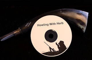 CD with howler